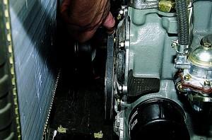 Замена ремня генератора Шевроле Нива